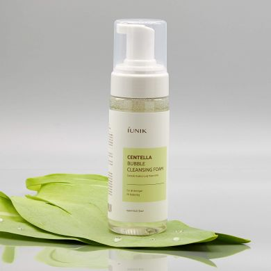Iunik Centella Bubble Cleansing Form
